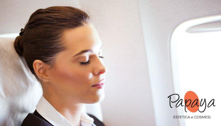 Sai che la pelle del viso risente dei voli in aereo?